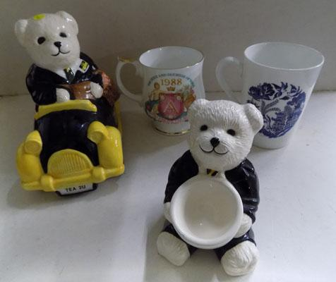 2 Wade Rington's bears, car, egg cup and 2 cups (Ringtons) (small chip on front of egg cup)