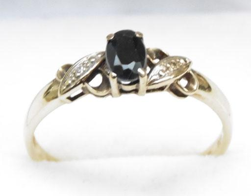 9ct Gold Sapphire ring with diamond accents size T1/2