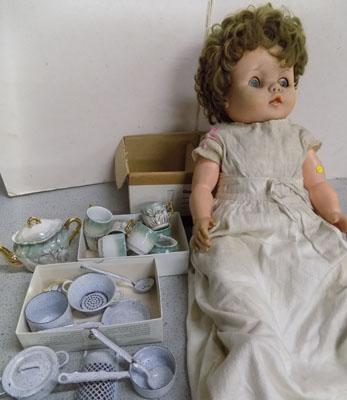 1950's doll and dolls house accessories