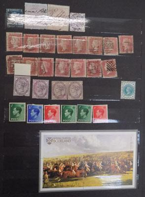 Album of Great Britain stamps - Penny Reds, 2d blue etc...