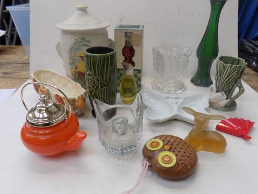 Collection of mixed vintage ceramics inc Avon & Sylvac