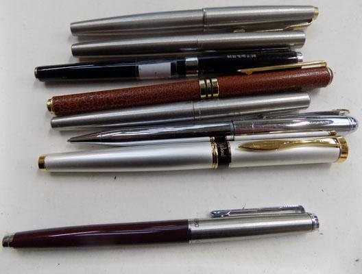 8, as new, fountain pens, incl. Parker & one other