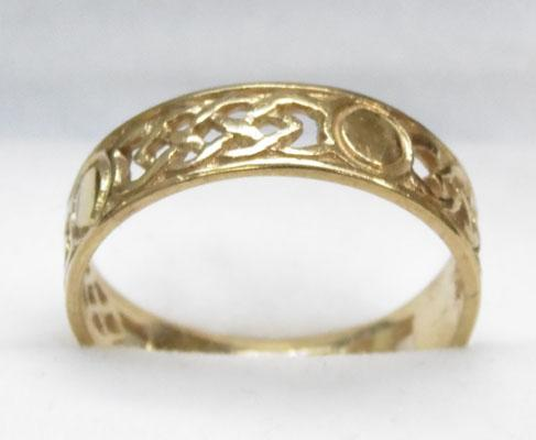 9ct Gold Celtic patterned wedding band size S