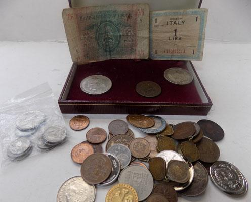Box of assorted coins & notes