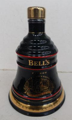 1993 Wade Christmas bells whiskey decanter