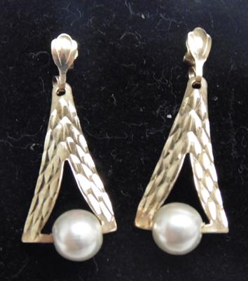 Pair of 9ct gold diamond cut faux pearl earrings