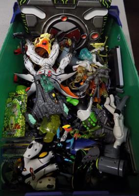 Large amount of Ben Ten figures/vehicles/cards etc
