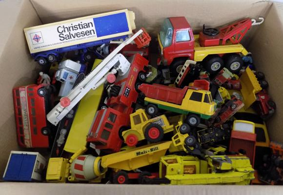 Large box of die cast inc vintage