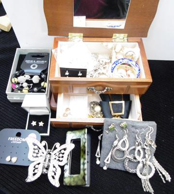 Collection of costume jewellery inc jewellery box