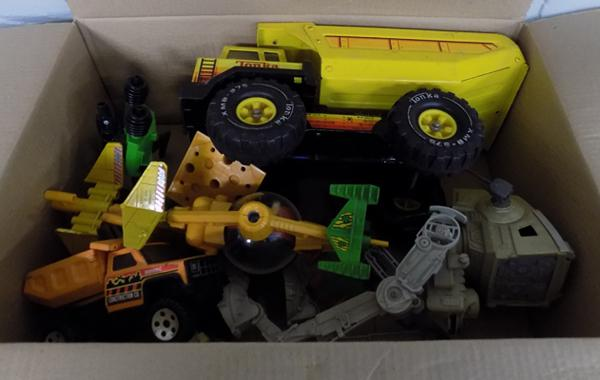 Box of retro toys inc Britains space, Star Wars & Tonka