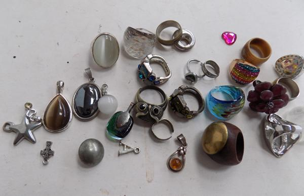 Selection of rings & pendants