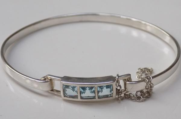 Sterling silver & blue topaz bangle