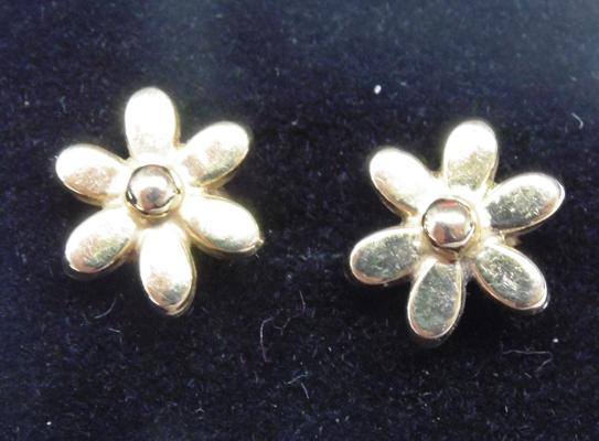 Pair of 9ct gold flower earrings
