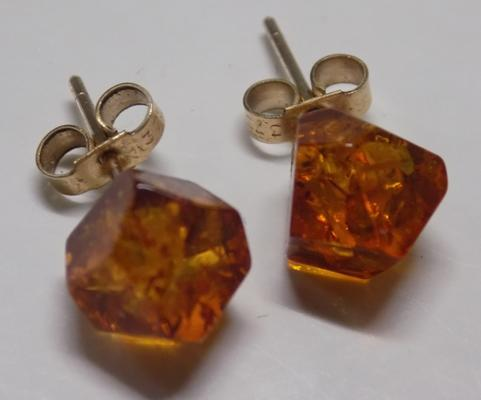 Pair of vintage 9ct gold & amber earrings