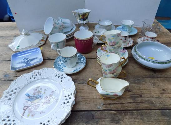 Selection of part tea sets & other ceramic items, incl. Royal Copenhagen