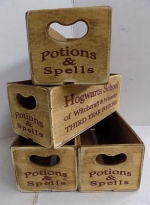 4x Small Harry Potter wooden crates