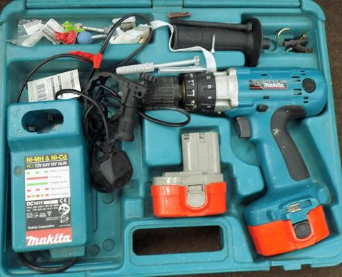 1x Makita drill & 2 batteries (as seen)