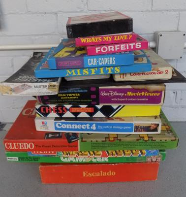 Collection of vintage board games (as seen)