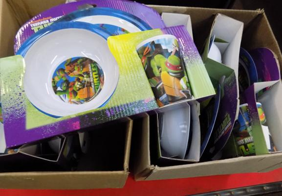 Box of Turtle dinner sets