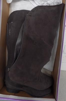 Pair of new Graceland boots in box (size 37)