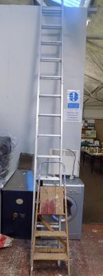 Extending aluminium ladders + wooden step ladders