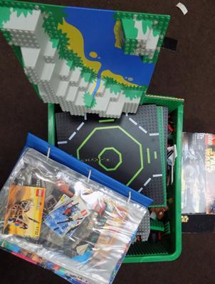 Large box of Lego, folder of Lego instructions & Star Wars Lego