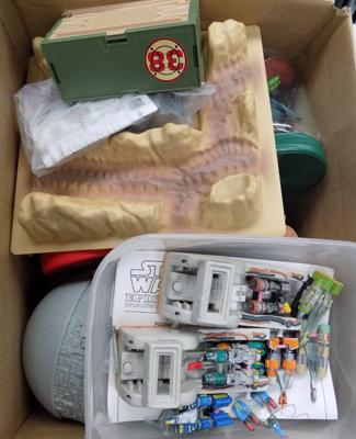 Large box of Star Wars micro machines inc figures & ships