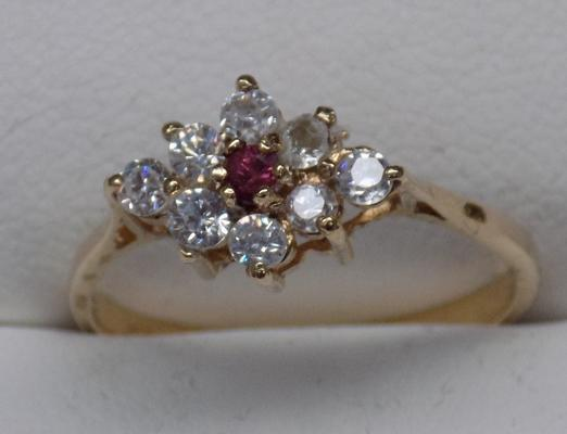 9ct gold, pink & white stone cluster ring, size O 1/2