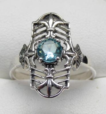 925 Silver vintage style ring set with blue topaz size R1/2