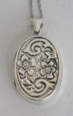 925 silver locket on 925 silver chain