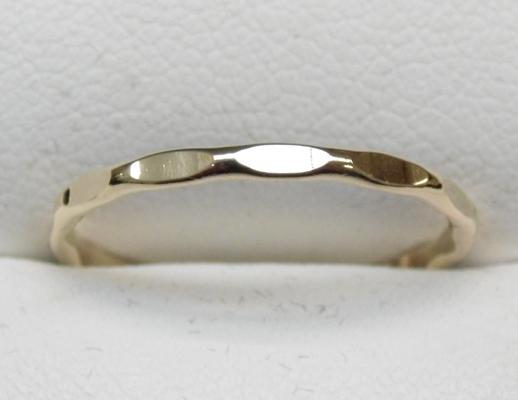 9ct Gold fancy cut ring size O
