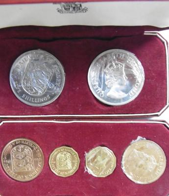 1966 Royal crown & coin in case
