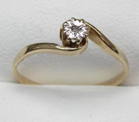 9ct Gold diamond solitaire ring size N