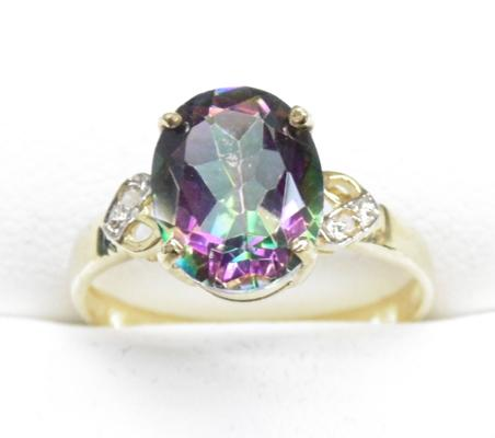 9ct Gold diamond mystic topaz ring size N
