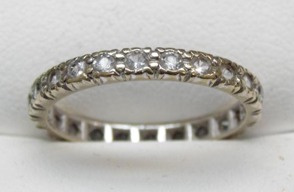 9ct Gold full eternity ring set with white stones size Q