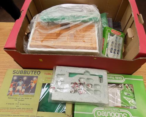 Large box of 1970's vintage Subbuteo, boxed sets, players, pitches & accessories