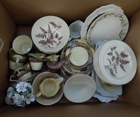 Box of mixed pottery inc Wild Country
