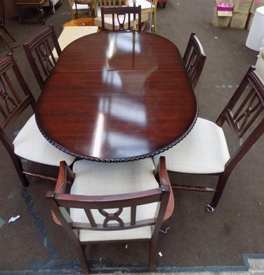 Fully extending dining table & 6 chairs
