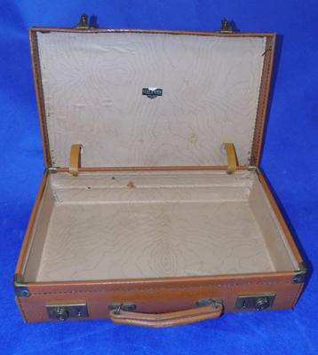 "Small vintage suitcase 15""x10"""