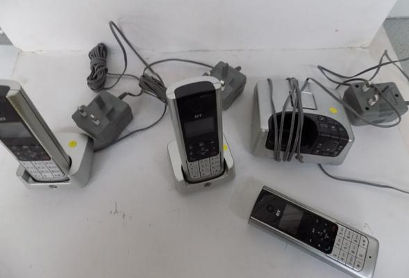 BT cordless phone/answerphone with three handsets