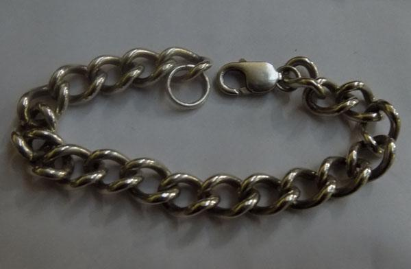 Heavy solid silver bracelet, approx. 20cm long