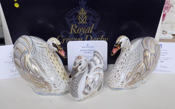Royal Crown Derby Swans-William & Catherine, Cignet -George 456/750