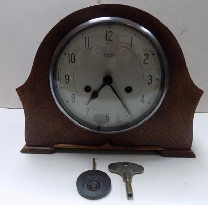 Smith Enfield 8 day mantel clock with key and pendulum in working offer
