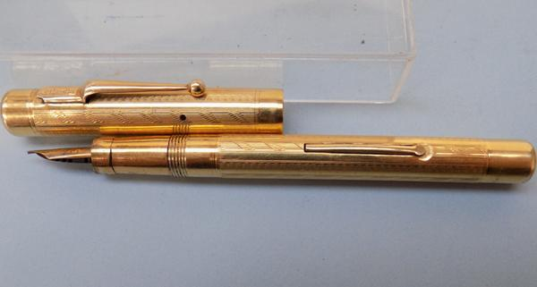 Mabir Todd & Co (swan) gold pen (USA) lovely condition no hallmark from USA 1920's