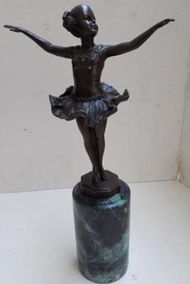 Antique bronze ballerina figure. Signed 'Preifo' with foundry marks on the marble base