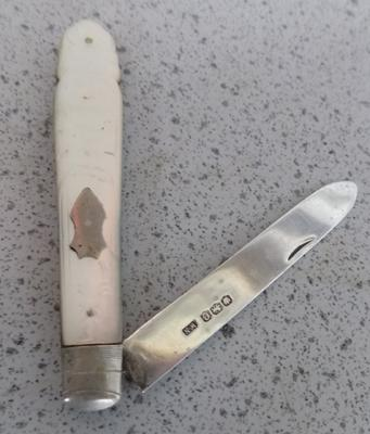 Hallmarked silver fruit knife with mother of pearl handle - Sheffield 1920