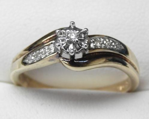 9K Gold and Diamond Solitaire ring - size S