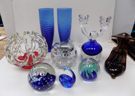 Selection of mixed glass items
