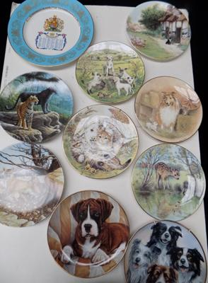Selection of plates including Royal Grafton & Royal Worcester & Aynsley