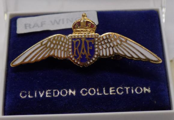 Clivedon RAF wings brooch